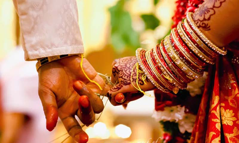 Strange Indian marriage: A husband goes court against his wife| http://www.raah.tv strange indian marriage